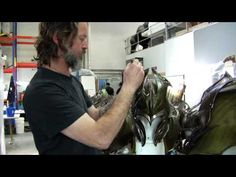 Behind the Scenes at Weta Workshop: The Hobbit: The Battle of the Five Armies - YouTube