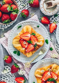 Puff Pastry with Vanilla Custard and Strawberries Pastry Recipes, Dessert Recipes, Easy Homemade Desserts, Gluten Free Brands, Croissant Recipe, Puff Pastry Dough, Dairy Free Milk, Fruit Jam, Vanilla Custard
