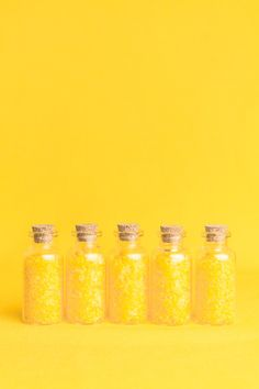 Let's get pinning bright & cheery good old banana / lemon yellow. Just like a Yellow Submarine :-) Mellow Yellow, Bright Yellow, Color Yellow, Mustard Yellow, Yellow Style, Yellow Theme, Yellow Accents, Wallpaper Tumblrs, Pantone