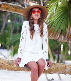 @Who What Wear - Your List of Spring Break Style Essentials
