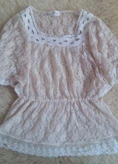 Kup mój przedmiot na #vintedpl http://www.vinted.pl/damska-odziez/bluzki-z-krotkimi-rekawami/9172826-sliczna-bezowa-koronkowa-bluzeczka