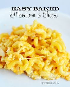 THE MOST amazing mac-n-cheese recipe. My hubby LOVED it! Easy baked macaroni and cheese from @30daysblog. Perfect comfort food!