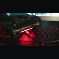 #rog #asus #ps4 #sony #dualshock4 #game #pc #pcgaming #gamer #geek #playstation #play #assassinscreed #ubisoft