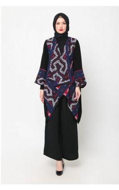 52 Ideas Fashion Hijab Indonesia Wedding Dresses Source by Muslim Fashion, Ethnic Fashion, Modest Fashion, Hijab Fashion, Fashion Outfits, Stylish Outfits, Fashion Fashion, Batik Blazer, Blouse Batik