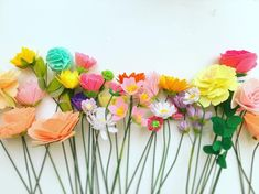 My secret garden Love this combinations! #myinspiration #myflowerlife #myflowerdairy #flowers #feltflowers #feltcrafts #crafts #diy…