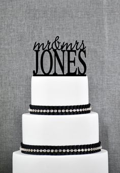 Modern Last Name Wedding Cake Toppers, Unique Personalized Wedding Cake Topper, Elegant Custom Mr and Mrs Wedding Cake Toppers - S005