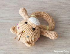 Lion baby rattle crochet pattern - making mane
