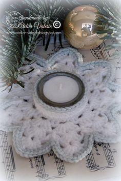Atelier Valérie: Melting Snowflake Crochet Dolls Free Patterns, Christmas Crochet Patterns, Holiday Crochet, Scrap Yarn Crochet, Leaf Flowers, Tealight Candle Holders, Beautiful Crochet, Xmas Decorations, Craft Fairs