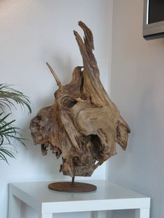 Driftwood Furniture: Practical Projects for Your Home and Garden - Driftwood 4 Us Twig Furniture, Driftwood Furniture, Driftwood Lamp, Driftwood Projects, Driftwood Sculpture, Wood Artwork, Plastic Art, Wood Creations, Weathered Wood