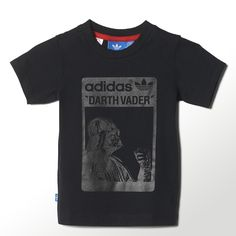 The metallic Darth Vader print on the front of this infants' t-shirt will power up playtime for little ones. The shirt also features a textured adidas and Star Wars™ graphic on the back.