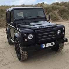 Land Rover Defender 90 Td4 SwSe Ultimate black edition.