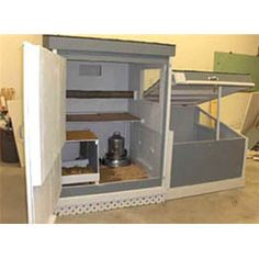 If a person wishes to raise chickens, it's a good idea to make sure that they build a coop which best suits their own requirements. Be sure you locate the best plans in order to construct your own. Cheap Chicken Coops, Portable Chicken Coop, Best Chicken Coop, Backyard Chicken Coops, Chickens Backyard, Farm Chicken, Small Chicken, Chicken Eggs, Chicken Coop Building Plans