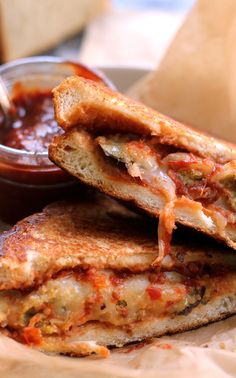 End of summer comfort is what this sandwich is all about! Get this eggplant parmesan grilled cheese with chili tomato jam into your dinner rotation while you still can.