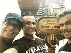 """576 aprecieri, 3 comentarii - Bo (@bosix66) pe Instagram: """"Darf ich vorstellen...Musikverein Frohsinn Tennenbronn Schwarzwald #diedreivondertankstelle…"""""""