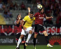 Gençlerbirliği 1-2 FB Valbuena'nın ortasında Halil İbrahim topu kendi kalesine gönderdi.
