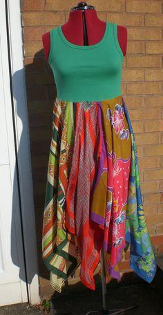Voilà une idée franchement intéressante! #robe camisole #jupe foulards #scarf dress for summer