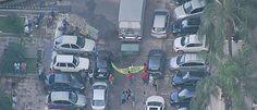 InfoNavWeb                       Informação, Notícias,Videos, Diversão, Games e Tecnologia.  : Grupo bloqueia saída de caminhão da sede do PMDB.