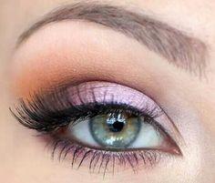 Cute eye shadow. Like the subtle pink.