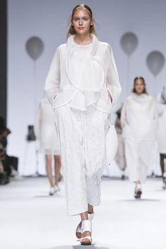 Issey Miyake Ready To Wear Spring Summer 2015 Paris