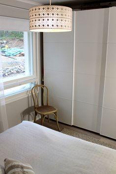 Makuuhuone vaalea valkoinen bedroom white
