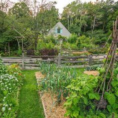 Edible Landscaping: Kitchen Garden | jardin potager | bauerngarten | köksträdgård (Wisconsin Garden Tour)