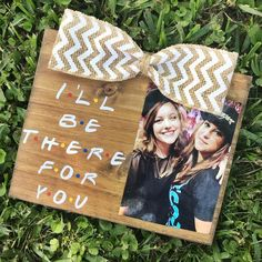 I'll Be There For You / F.R.I.E.N.D.S / FRIENDS TV Show   Etsy Diy Best Friend Gifts, Handmade Gifts For Friends, Presents For Best Friends, Little Presents, Bestie Gifts, Best Friend Birthday Gifts, Diy Birthday Gifts For Friends, Friends Tv Show Gifts, Cute Gifts For Friends