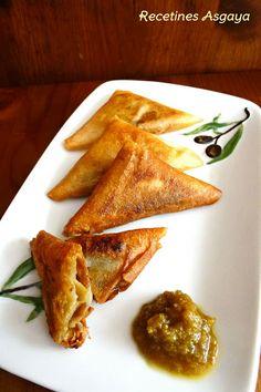 Triángulos de Pasta Brick con Mermelada de Aceitunas y Queso de Cabra