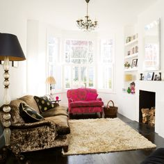 london flat..what a dream (not sure about the couches though)