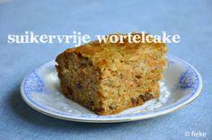 Carrot Cake (sugar free) // by Fiekefatjerietjes Real Food Recipes, Baking Recipes, Cake Recipes, Dessert Recipes, Yummy Food, Healthy Cake, Healthy Dishes, Healthy Sweets, Vegan Carrot Cakes