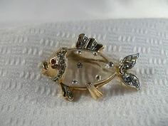 1949 Coro small jelly belly fish brooch
