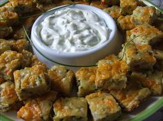 Vegetable Appetizer Squares A great way to use up an abundant zucchini crop, add some other vegetables and you have an easy to make appetizer. I usually serve this with sour cream and chives on the side. Easy To Make Appetizers, Finger Food Appetizers, Yummy Appetizers, Appetizer Recipes, Appetizer Ideas, Finger Foods, Vegetable Appetizers, Veggie Recipes, Cooking Recipes