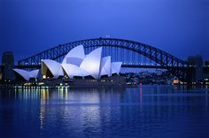 Sydney is the largest and most populous city in Australia and the state capital of New South Wales. Sydney is located on Australia's south-east coast of the Cool Places To Visit, Places To Travel, Tourist Places, National Geographic Fotos, Places Around The World, Around The Worlds, Et Wallpaper, What A Wonderful World, Tens Place