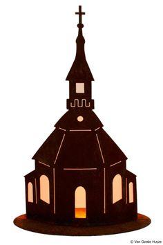 Geroest kerkje, mooi met waxinelichtjes er achter....  www.vangoedehuyze.nl
