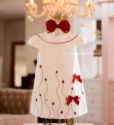 {Typical and custom made newborn baby dress, gives the best answer. Fashion Kids, Little Girl Fashion, Toddler Fashion, Little Dresses, Little Girl Dresses, Girls Dresses, Flower Girl Dresses, Dress Anak, Kids Frocks