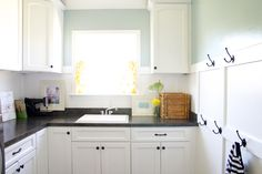 great blog, love their use of colors.  changing from what is new/cookie cutter to make it their own.