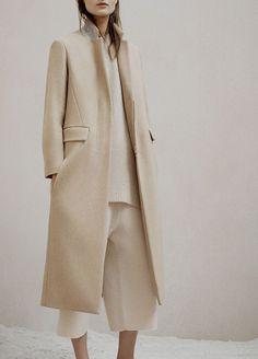 "faessbender: "" the row pre—fall "" Hijab Fashion Inspiration, Style Inspiration, Rocker Chic Style, Hijab Style, Style Minimaliste, Winter Mode, Minimal Fashion, Minimal Chic, Fashion 2020"