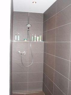 Masonry bin in the shower - DY Home Decoration Spa Shower, Bathroom Spa, Bathroom Ideas, Cubicle, New Homes, Bathtub, Storage, Design, Home Decor
