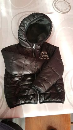 Doudoune noire taille 36 mois Winter Jackets, Leather Jacket, Fashion, Human Height, Winter Coats, Studded Leather Jacket, Moda, Leather Jackets, Winter Vest Outfits