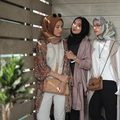 See Instagram photos and videos from @nabilahatifa Muslim Women Fashion, Modest Fashion, Teen Fashion, Fashion Outfits, Casual Hijab Outfit, Hijab Chic, Casual Outfits, Niqab, Turban