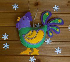 ФЕТРОКЛУБ: Идеи - Фетр - Изделия Fleece Crafts, Felt Crafts, Easter Crafts, Felt Christmas Decorations, Felt Christmas Ornaments, Christmas Crafts, Chicken Crafts, Felt Tree, Felt Books