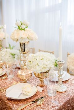 Table scape featuring beautiful sparkly rose gold tablecloth. Photo by envphotography. #rosegold #tablescape