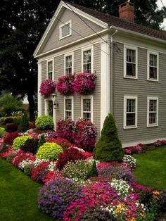 Landscaping Front Yard Flower Garden #landscapingfrontyard