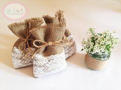 wedding favor | ... Chic Burlap Vintage Lace Wedding Favour (favor) Hessian Bags | eBay