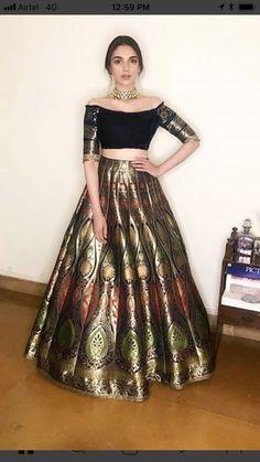 Beautiful Banarasi Silk Lehenga-Choli - All About Clothes Indian Fashion Dresses, Indian Gowns Dresses, Indian Bridal Outfits, Dress Indian Style, Indian Designer Outfits, Mexican Dresses, Banarasi Lehenga, Indian Lehenga, Brocade Lehenga