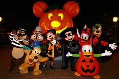 Disney World in Orlando - Mickey's Not-so-scary Halloween Halloween Party Songs, Disney Halloween Parties, Halloween Bags, Scary Halloween, Happy Halloween, Halloween Costumes, Disneyland Halloween, Disneyland Paris, Disney Website