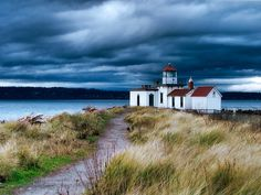 Discovery Park Lighthouse In Seattle, Washington Lighthouse Storm, Lighthouse Art, Costa, Evergreen State, All Nature, Washington State, Seattle Washington, Seattle Usa, Heaven On Earth