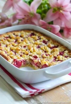 (Gluteeniton) mansikka-raparperipiiras Gluten Free Baking, Gluten Free Recipes, Andalusia, Fodmap, No Bake Desserts, Bon Appetit, Free Food, Macaroni And Cheese, Food And Drink