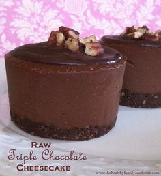 """Raw Triple Chocolate Cheesecake (Raw, Vegan, Gluten-Free, Grain-Free…""---Use agave or maple instead of honey; Desserts Crus, Raw Vegan Desserts, Vegan Treats, Paleo Dessert, Gluten Free Desserts, Dairy Free Recipes, Delicious Desserts, Dessert Recipes, Vegan Raw"
