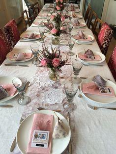 Borddekking, diy, bordkort, blomster, tablesetting, doilies, baptism, dåp, navnefest, party