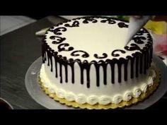 www.klickdasvideo.de video 8497 in-nur-2-minuten-verwandelt-sich-eine-einfache-torte-in-ein-konditorei-kunstwerk...wow